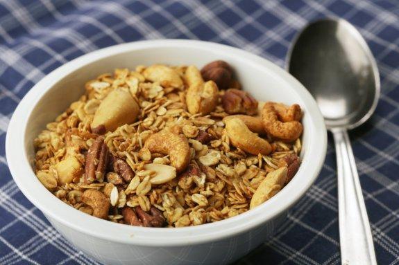 orechove musli miska